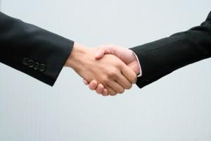 握手(求人イメージ)